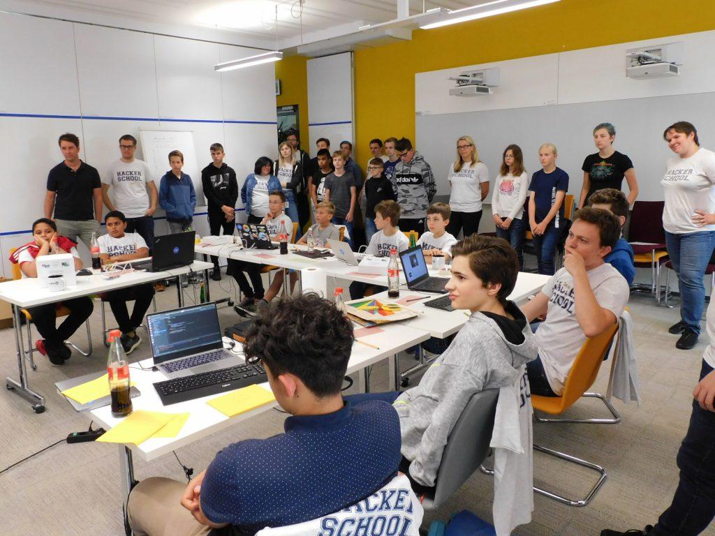 Kinder und Jugendliche bei der City Hacker School 2019 in Karlsruhe. Quelle: Hacker School
